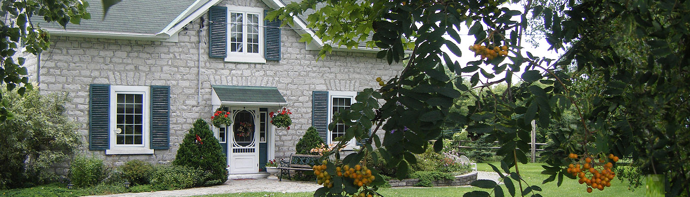 Pakenham, Ontario, historic, farmhouse, bed-and-breakfast, stone masonry, Irish