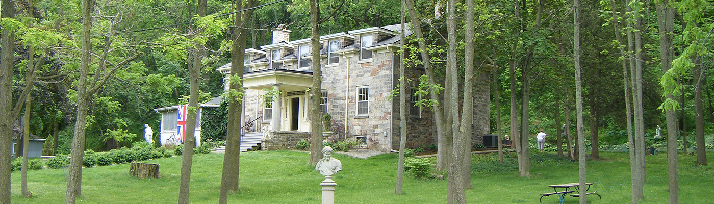 Niagara Escarpment, Loyalist architecture, neo-classical portico
